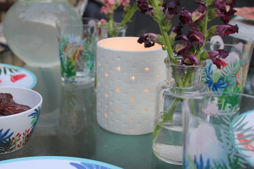 bbq, summer, string lights, how to string lights, outdoor eating, target, melamine dishes, gladiola, outdoor dining, al Fresco dining
