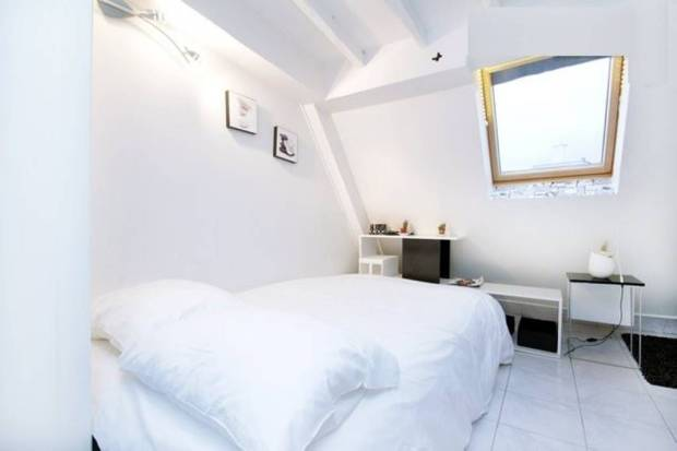 Attic room in Paris